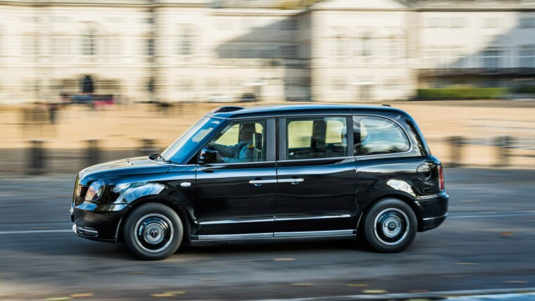 The Official Black Cab Company Offers You Low-Priced Taxi To The Airport